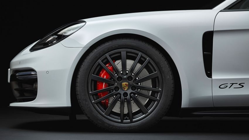 Porsche Panamera GTS dan Panamera Sport Turismo GTS – 4.0 liter V8, dua pengecas turbo, 460 hp/620 Nm! Image #873811