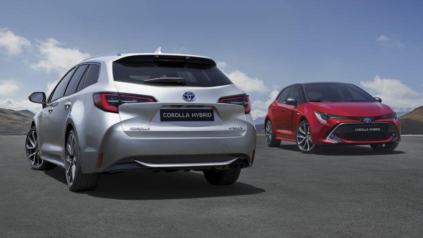 Toyota Corolla Touring Sports makes Paris debut Image #868736