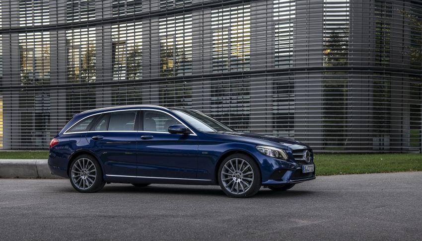 Mercedes-Benz C300de W205 – plug-in hybrid diesel Image #872424