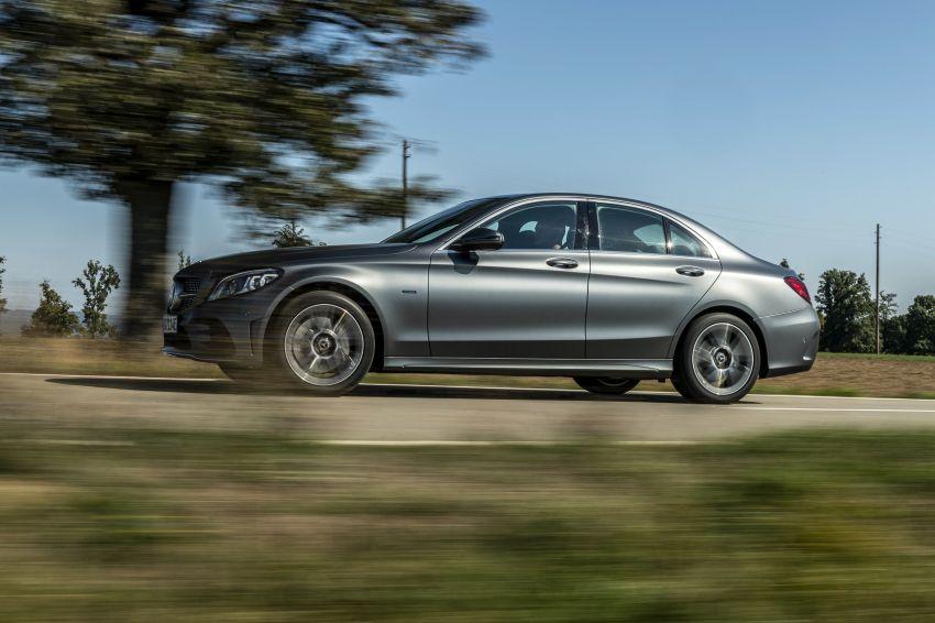 Mercedes-Benz C300de W205 – plug-in hybrid diesel Image #872441