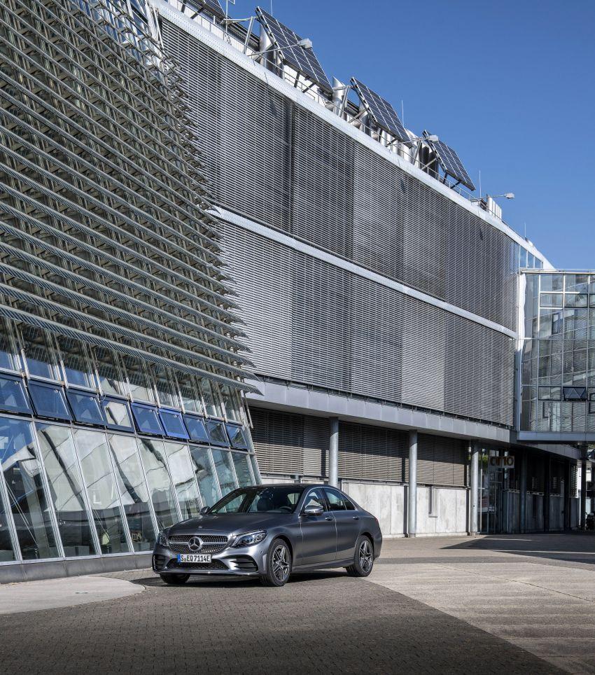 Mercedes-Benz C300de W205 – plug-in hybrid diesel Image #872443