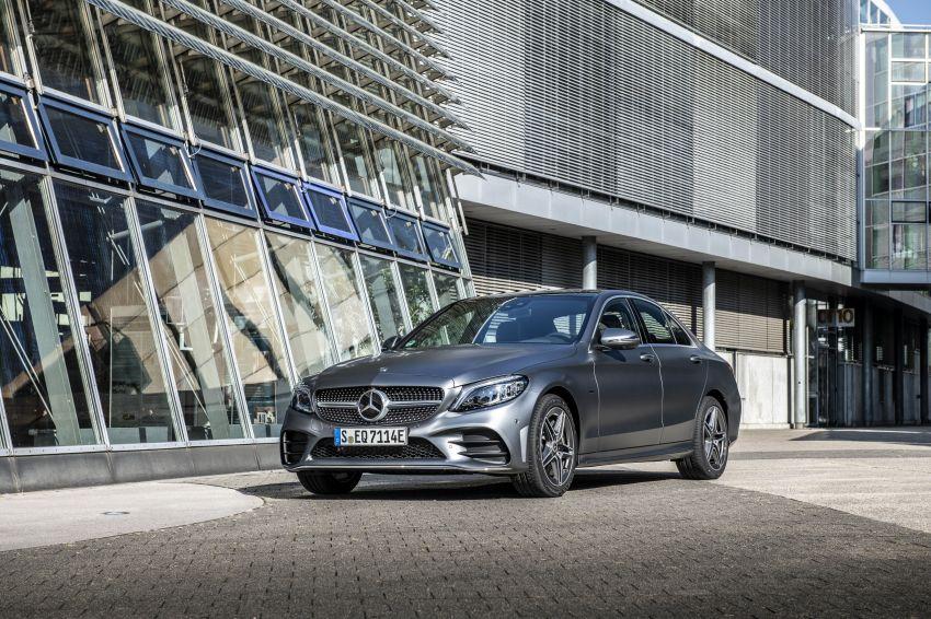 Mercedes-Benz C300de W205 – plug-in hybrid diesel Image #872444