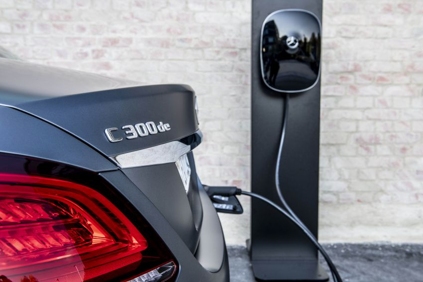 Mercedes-Benz C300de W205 – plug-in hybrid diesel Image #872455