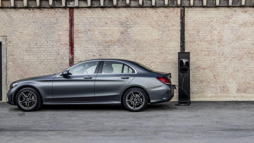 Mercedes-Benz C300de W205 – plug-in hybrid diesel Image #872456