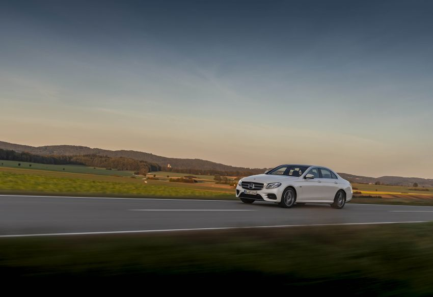 W213 Mercedes-Benz E300e and E300de debut – new plug-in hybrid models with up to 320 PS, 1.6 l/100 km Image #872274