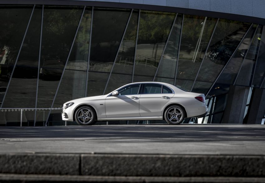 W213 Mercedes-Benz E300e and E300de debut – new plug-in hybrid models with up to 320 PS, 1.6 l/100 km Image #872278