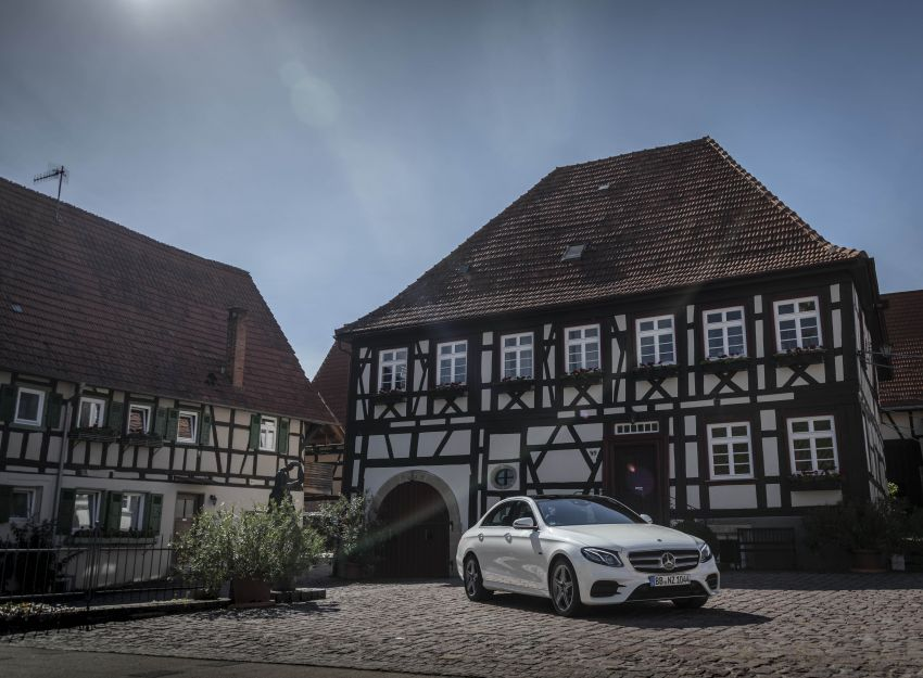 W213 Mercedes-Benz E300e and E300de debut – new plug-in hybrid models with up to 320 PS, 1.6 l/100 km Image #872280