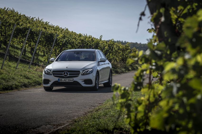 W213 Mercedes-Benz E300e and E300de debut – new plug-in hybrid models with up to 320 PS, 1.6 l/100 km Image #872285