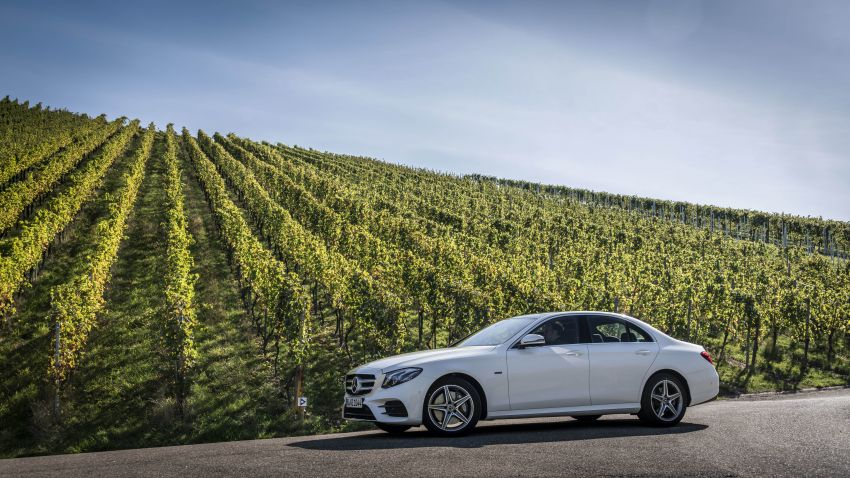 W213 Mercedes-Benz E300e and E300de debut – new plug-in hybrid models with up to 320 PS, 1.6 l/100 km Image #872287