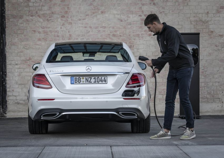W213 Mercedes-Benz E300e and E300de debut – new plug-in hybrid models with up to 320 PS, 1.6 l/100 km Image #872291