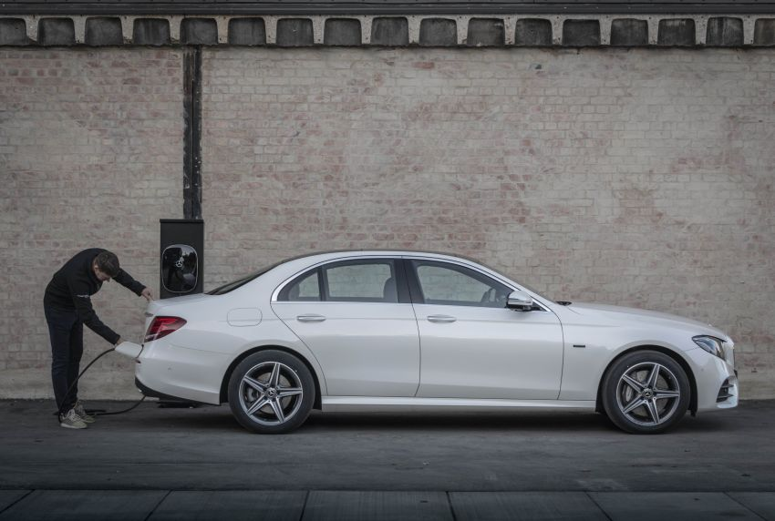 W213 Mercedes-Benz E300e and E300de debut – new plug-in hybrid models with up to 320 PS, 1.6 l/100 km Image #872292