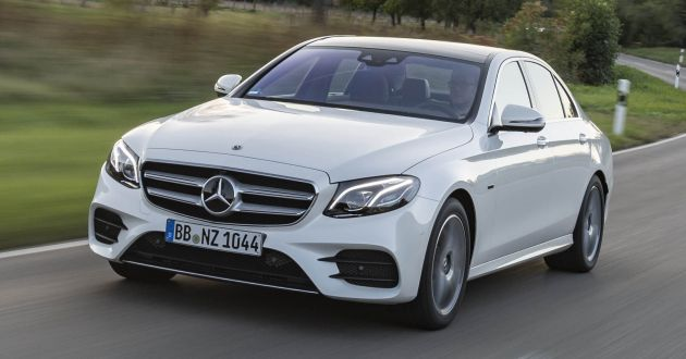 Aside From The Reveal Of W205 Mercedes Benz C 300 De German Automaker Also Touched Upon Two New Plug In Hybrid Models Under E Cl Family
