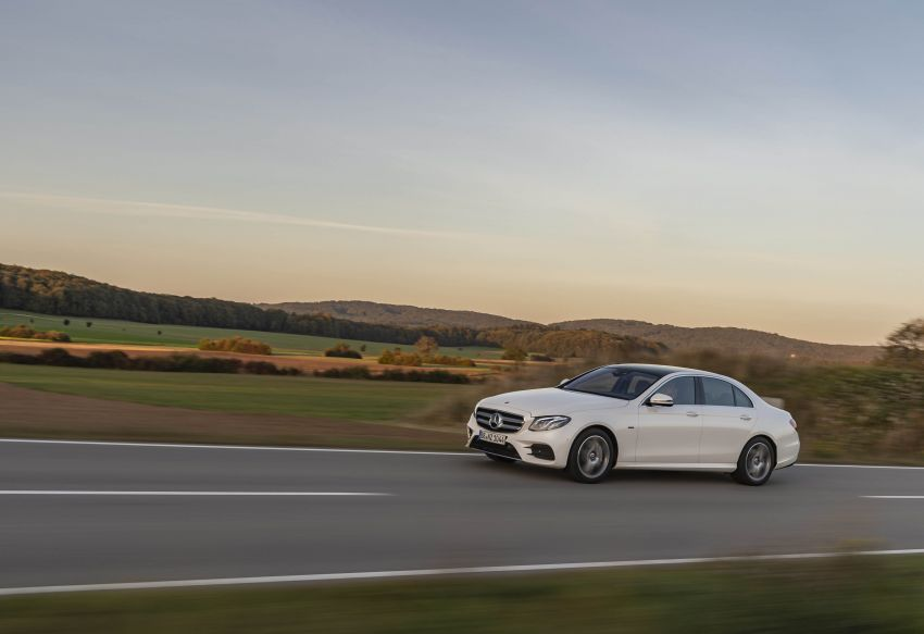 W213 Mercedes-Benz E300e and E300de debut – new plug-in hybrid models with up to 320 PS, 1.6 l/100 km Image #872273