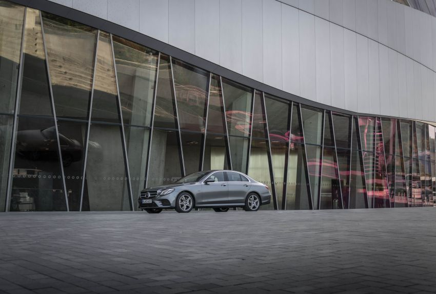 W213 Mercedes-Benz E300e and E300de debut – new plug-in hybrid models with up to 320 PS, 1.6 l/100 km Image #872205