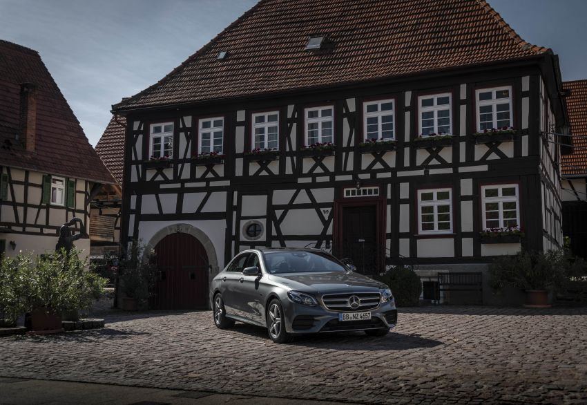 W213 Mercedes-Benz E300e and E300de debut – new plug-in hybrid models with up to 320 PS, 1.6 l/100 km Image #872215