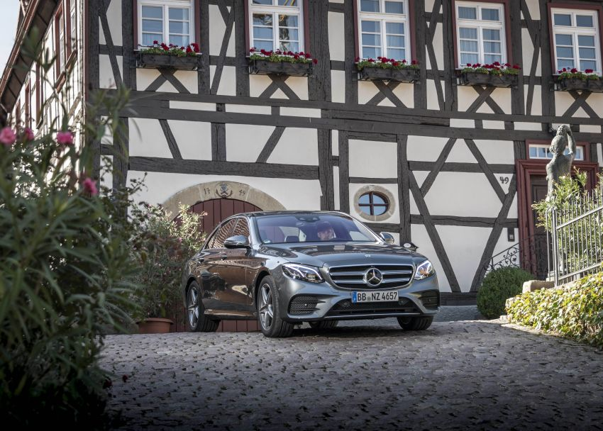 W213 Mercedes-Benz E300e and E300de debut – new plug-in hybrid models with up to 320 PS, 1.6 l/100 km Image #872220