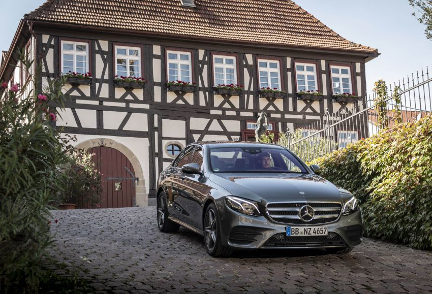 W213 Mercedes-Benz E300e and E300de debut – new plug-in hybrid models with up to 320 PS, 1.6 l/100 km Image #872221