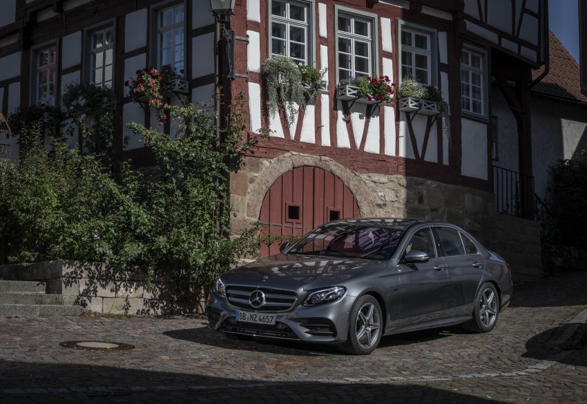 W213 Mercedes-Benz E300e and E300de debut – new plug-in hybrid models with up to 320 PS, 1.6 l/100 km Image #872225