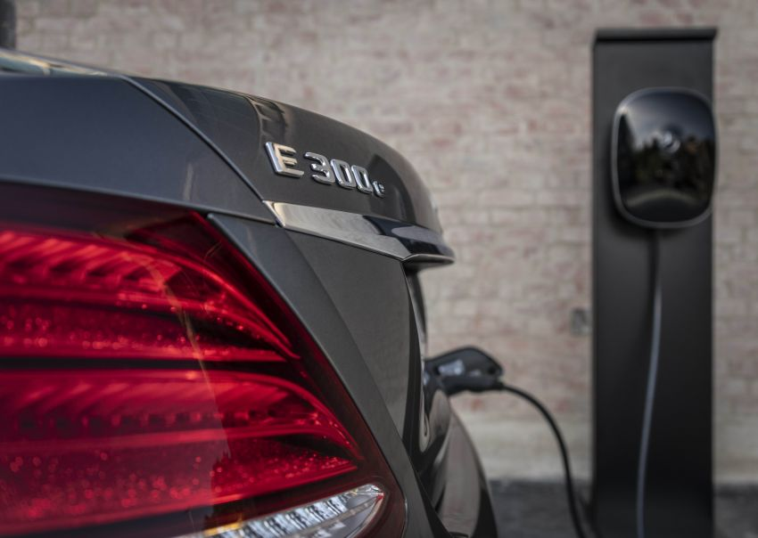 W213 Mercedes-Benz E300e and E300de debut – new plug-in hybrid models with up to 320 PS, 1.6 l/100 km Image #872226