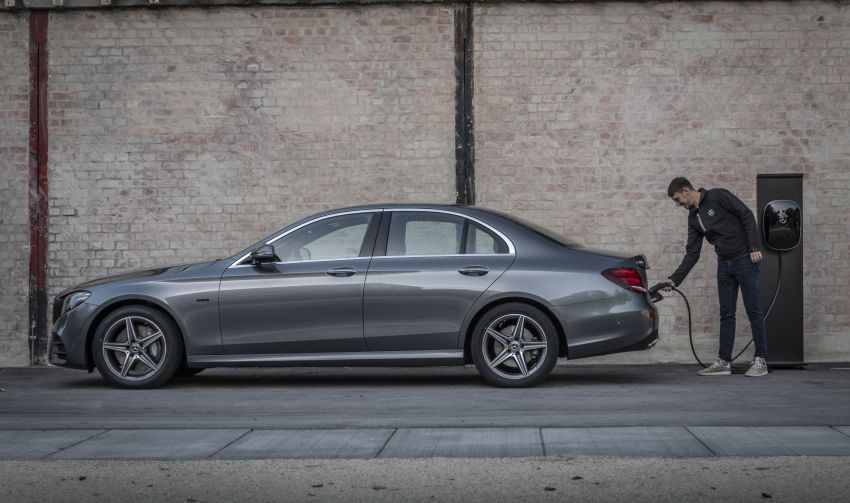W213 Mercedes-Benz E300e and E300de debut – new plug-in hybrid models with up to 320 PS, 1.6 l/100 km Image #872228