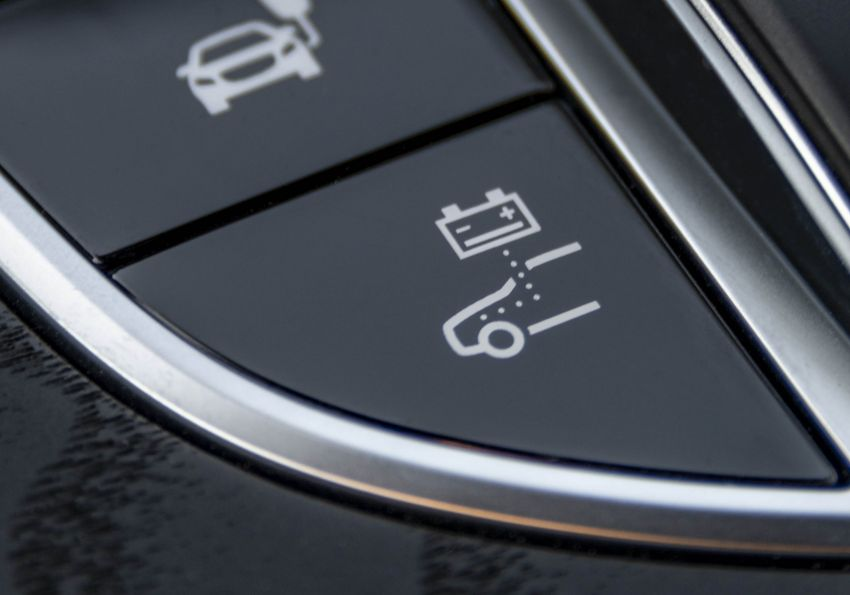 W213 Mercedes-Benz E300e and E300de debut – new plug-in hybrid models with up to 320 PS, 1.6 l/100 km Image #872233