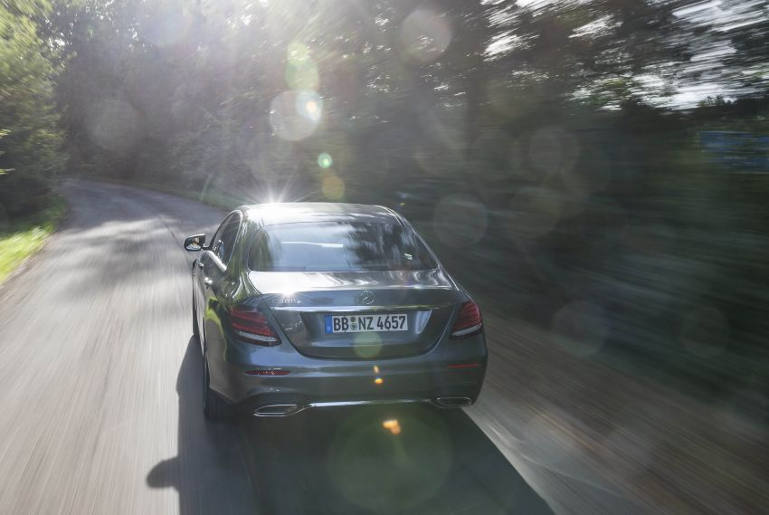 W213 Mercedes-Benz E300e and E300de debut – new plug-in hybrid models with up to 320 PS, 1.6 l/100 km Image #872197