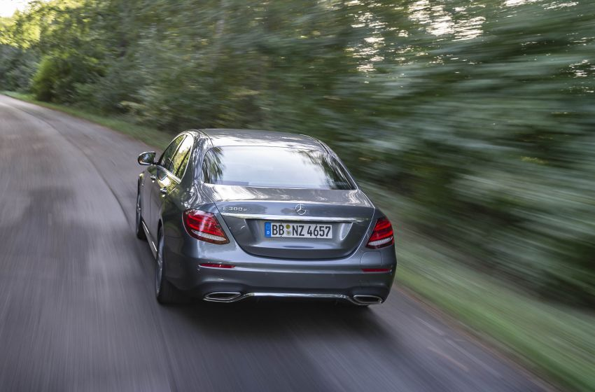 W213 Mercedes-Benz E300e and E300de debut – new plug-in hybrid models with up to 320 PS, 1.6 l/100 km Image #872199