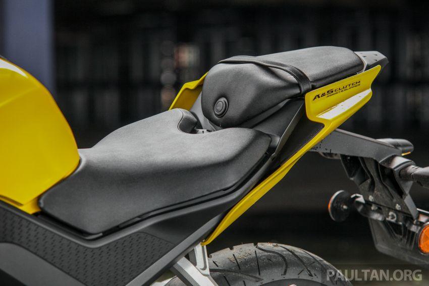 TUNGGANG UJI: Yamaha YZF-R15 – untuk 'kaki roket' Image #881617