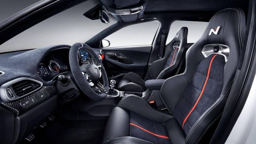 Hyundai i30 N Option muncul di Paris Motor Show – tampil dengan kelengkapan rupa yang lebih ganas Image #867997