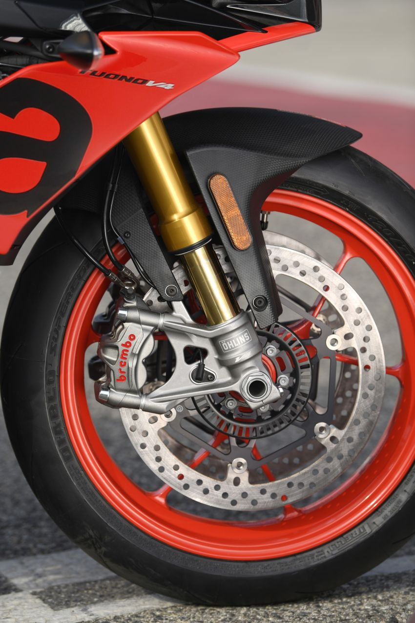 2018 EICMA: 2019 Aprilia Tuono V4 1100 Factory and Tuono 1100 RR – 175 hp and electronic suspension Image #885904