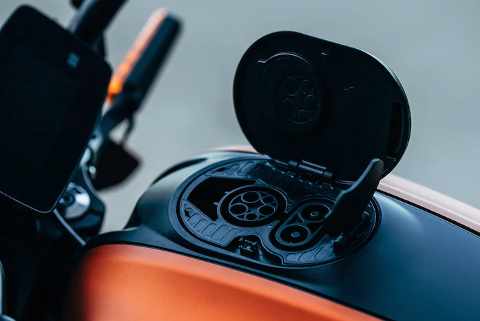 2018 EICMA: 2019 Harley-Davidson Livewire electric motorcycle specs revealed – orders taken Jan 2019 Image #884983