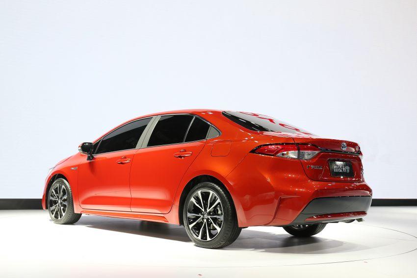 Toyota Corolla sedan generasi ke-12 didedahkan Image #889628