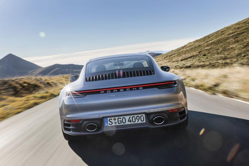 Porsche 911 generasi baharu didedahkan – enam silinder boxer, 450 PS, padat dengan teknologi terkini Image #895587