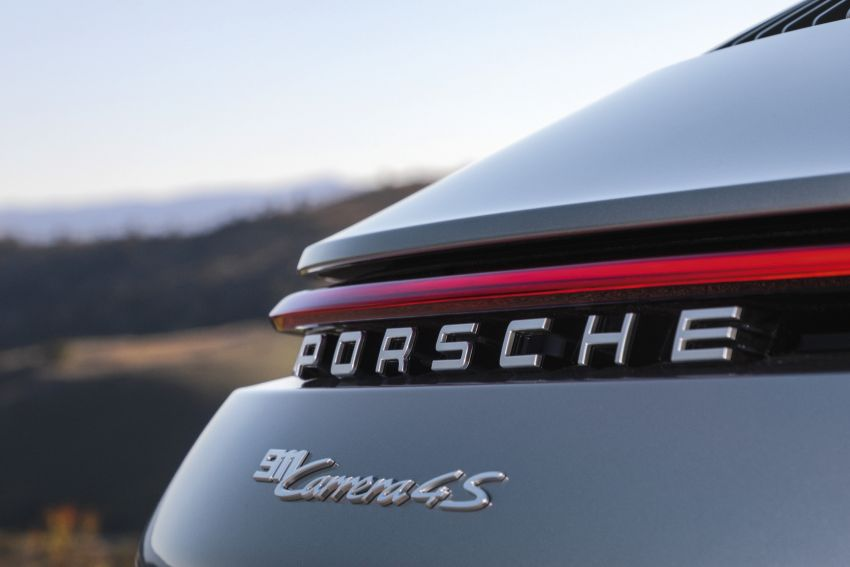 992 Porsche 911 revealed – new tech, 450 PS flat-six Image #895494