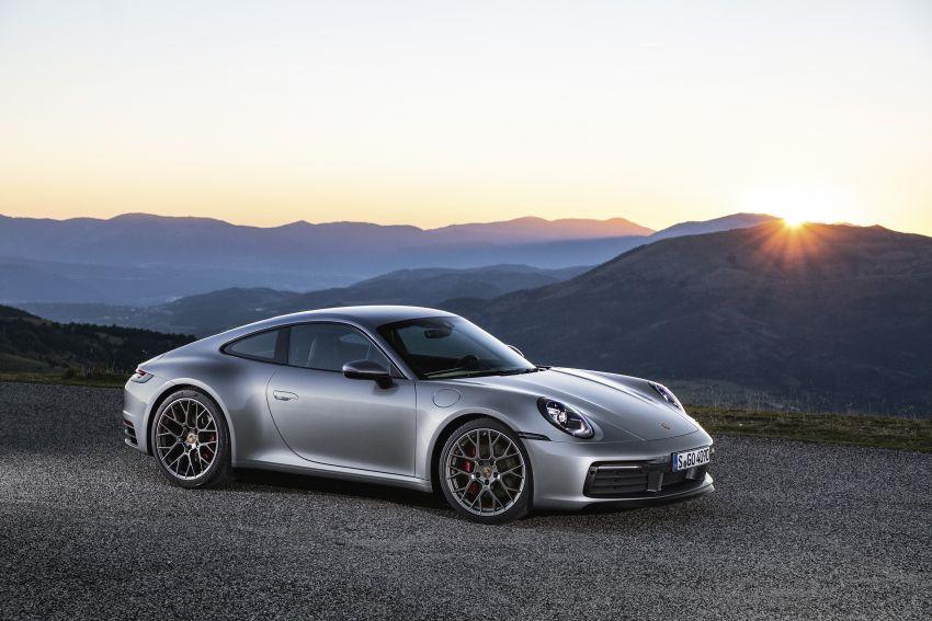 992 Porsche 911 revealed – new tech, 450 PS flat-six Image #895496