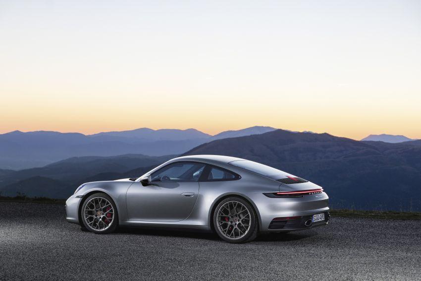 992 Porsche 911 revealed – new tech, 450 PS flat-six Image #895497