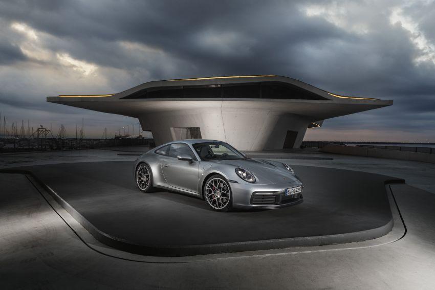 992 Porsche 911 revealed – new tech, 450 PS flat-six Image #895500