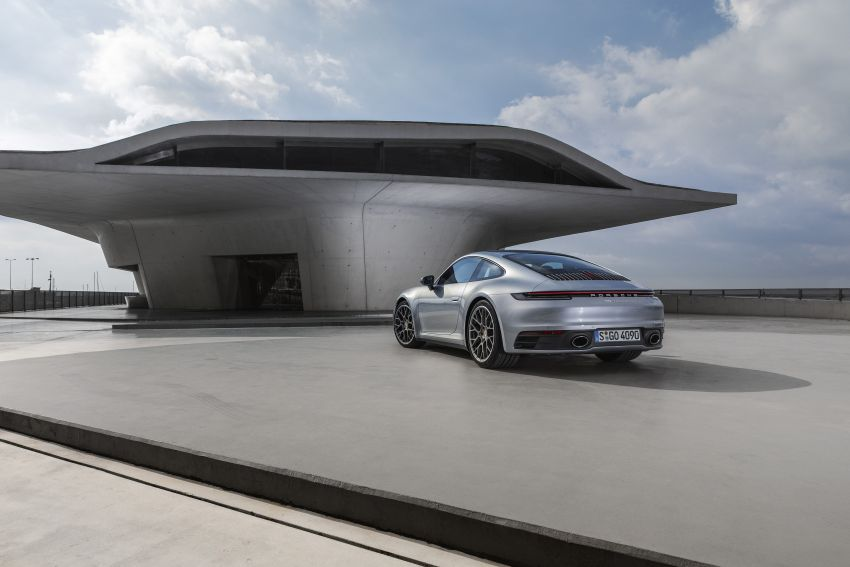 992 Porsche 911 revealed – new tech, 450 PS flat-six Image #895502