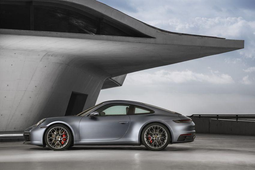 992 Porsche 911 revealed – new tech, 450 PS flat-six Image #895503