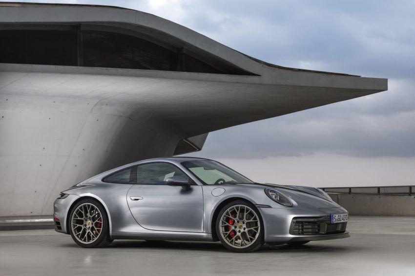 992 Porsche 911 revealed – new tech, 450 PS flat-six Image #895505