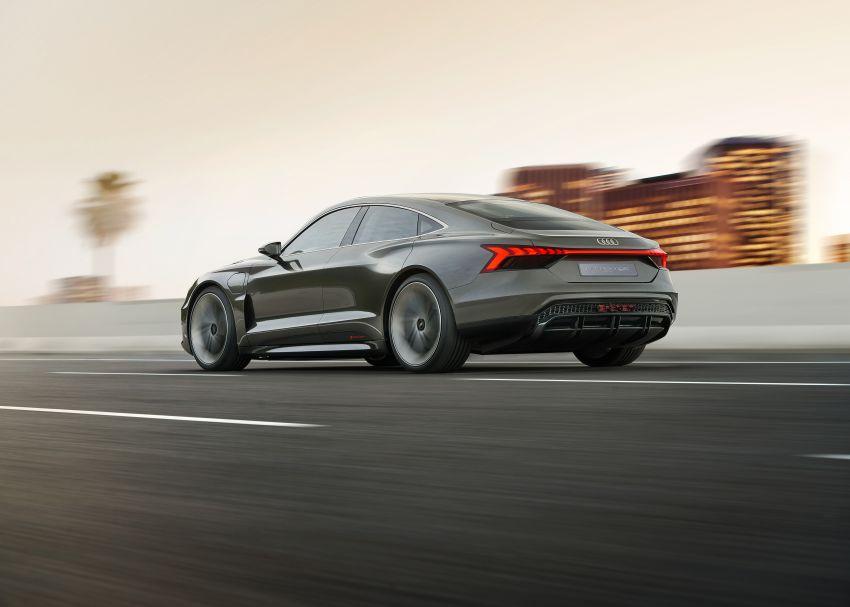 Audi e-tron GT concept debuts at Los Angeles Auto Show – 582 hp EV, production version due by end 2020 Image #895958