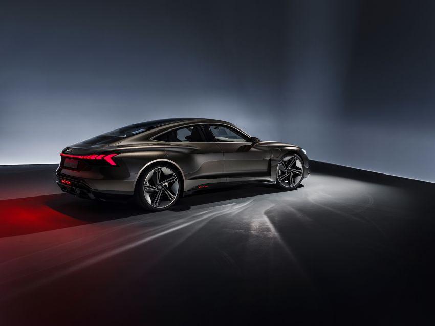 Audi e-tron GT concept debuts at Los Angeles Auto Show – 582 hp EV, production version due by end 2020 Image #895969