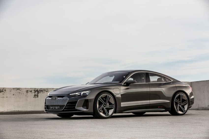 Audi e-tron GT concept debuts at Los Angeles Auto Show – 582 hp EV, production version due by end 2020 Image #895992
