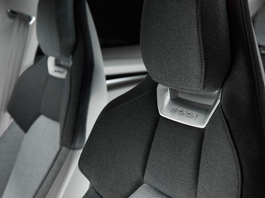 Audi e-tron GT concept debuts at Los Angeles Auto Show – 582 hp EV, production version due by end 2020 Image #896002