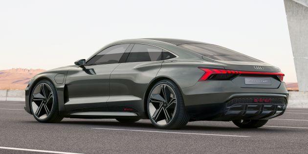 Audi E Tron Gt Concept Debuts At Los Angeles Auto Show 582 Hp Ev