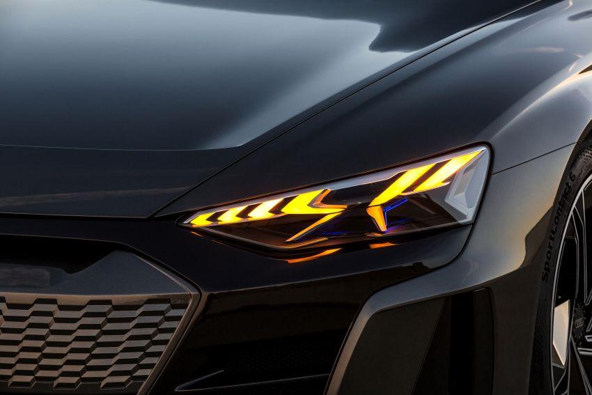 Audi e-tron GT concept debuts at Los Angeles Auto Show – 582 hp EV, production version due by end 2020 Image #896037
