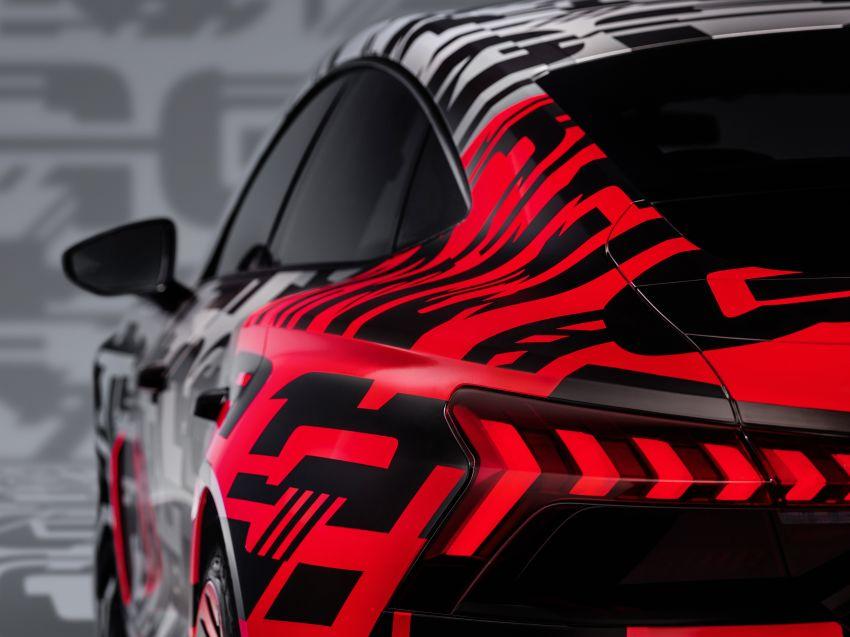 Audi e-tron GT concept debuts at Los Angeles Auto Show – 582 hp EV, production version due by end 2020 Image #896044