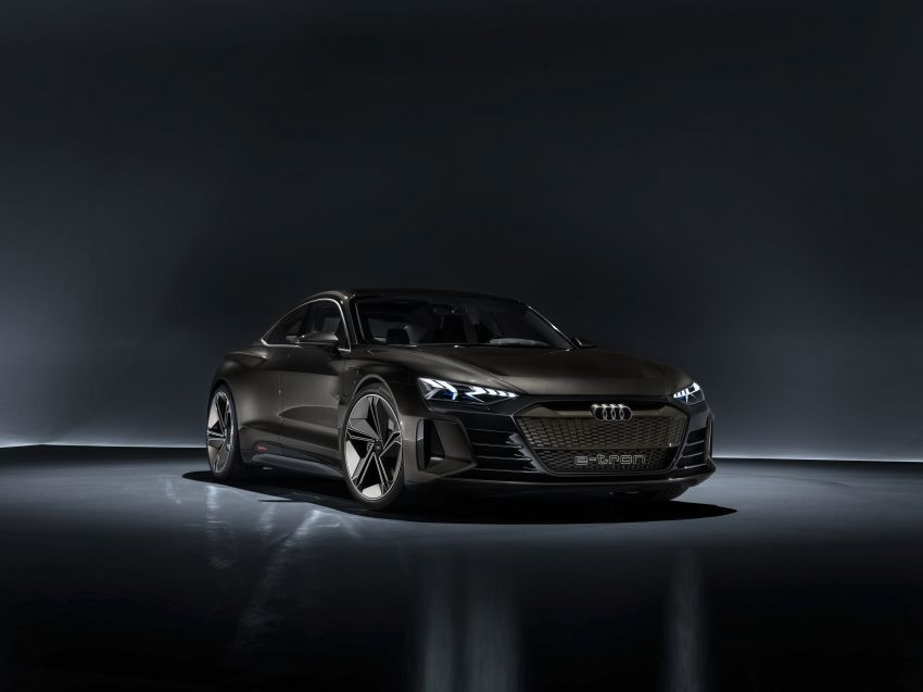 Audi e-tron GT concept debuts at Los Angeles Auto Show – 582 hp EV, production version due by end 2020 Image #895963