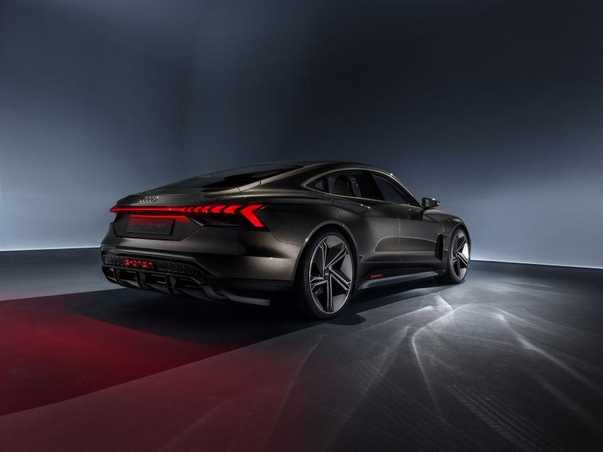 Audi e-tron GT concept debuts at Los Angeles Auto Show – 582 hp EV, production version due by end 2020 Image #895966