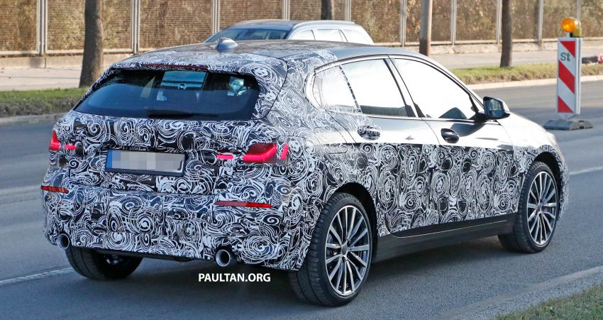 SPYSHOTS: BMW 1 Series drops some camouflage Image #895671